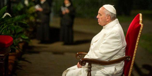 La solitudine di Francesco, il silenzio della sinistra sui