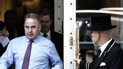 Alitalia-Etihad, si stringe su accordo ma Caio (Poste) diserta