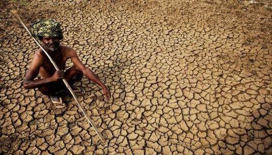 1.200 morti in dieci giorni. India in ginocchio per il caldo