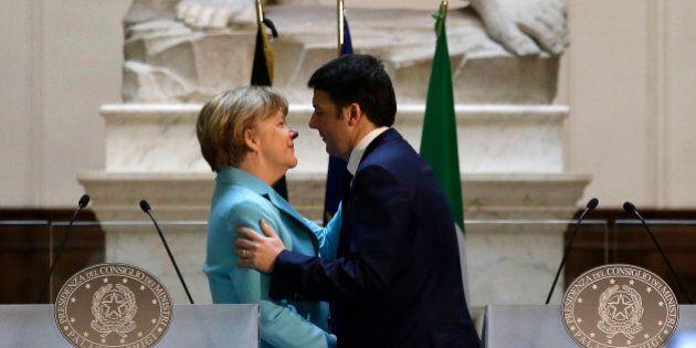 Matteo Renzi aggancia Angela Merkel in piena sindrome di Stendhal: Con i potenti ci parlo