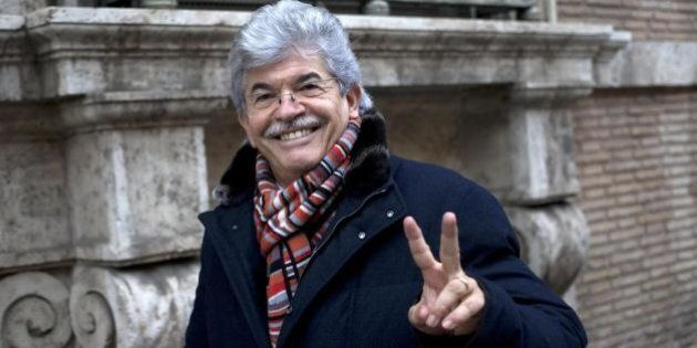 Antonio Razzi, scrive
