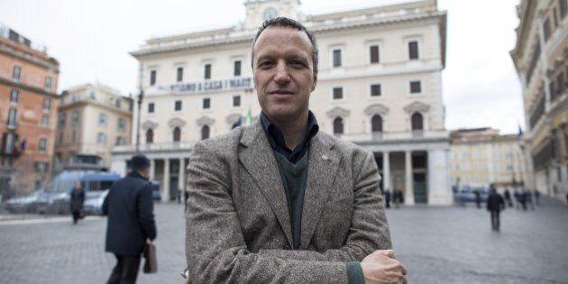Lega Nord, Flavio Tosi pronto al divorzio con Salvini e a candidarsi. Incassato il sostegno di Alfano....