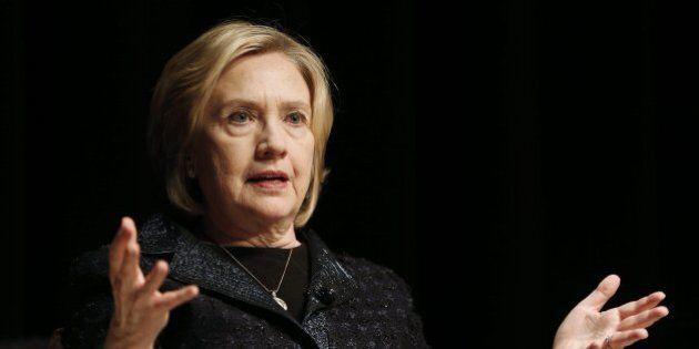 Email gate, atto II: Hillary Clinton usava un server di posta privato. I Dem iniziano a tremare: candidatura...