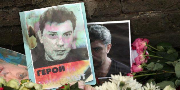 Boris Nemtsov morto, media: prime immagini di due sospettati dell'omicidio dell'oppositore di Putin (FOTO,