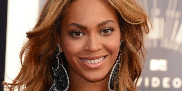 Beyoncé, accordo con Topshop per un nuovo brand di abbigliamento sportivo da donna. Nasce Parkwood Topshop...