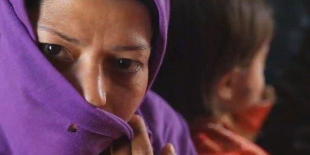 Afghana violentata e arrestata per adulterio costretta a sposare il suo stupratore: Gulnaz è prigioniera...