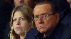 Silvio sfoggia un nuovo look allo