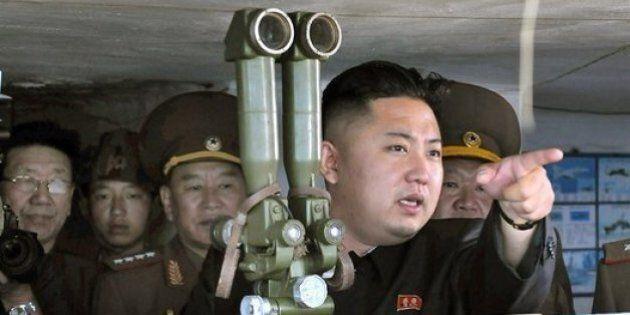 Kim Jong Un imparò a guidare a soli tre anni: le sue gesta sui libri di scuola, ultima frontiera della...