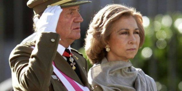 Juan Carlos e Sofia divorzio, gli ex reali di Spagna passano vacanze separate. La stampa aspetta l'annuncio