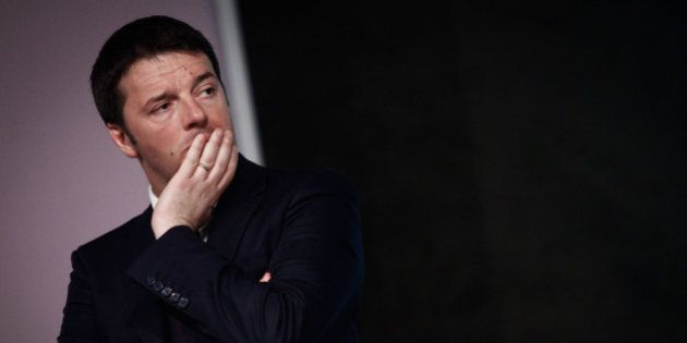 Def, Matteo Renzi cerca il rilancio: rinvia il consiglio dei ministri per studiare l'annuncio sul bonus...