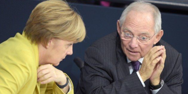 Germania contro Italia, Berlino smorza i toni, ma dall'Eurogruppo nuovo richiamo al rispetto del Patto...