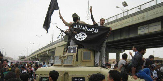Libia, Isis avanza ancora. Conquistato l'aeroporto di Sirte. Tripoli avverte l'Ue: