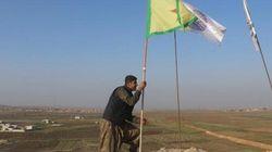 Su Kobane sventola la bandiera curda. I combattenti anti-Isis controllano il 90% della città