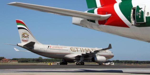 Alitalia-Etihad, ufficiale l'accordo e la firma. Si temono disagi a