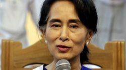 Birmania, Aung San Suu Kyi presidente? Si discute in