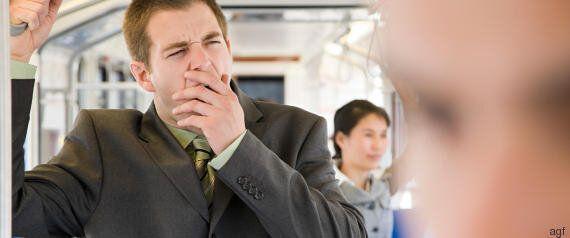 Sei motivi per cui fumare peggiora la qualità del tuo sonno