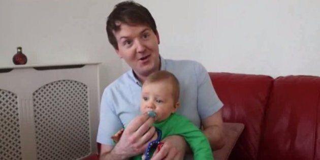 Mamma e nonna contemporaneamente: uomo inglese single e gay diventa padre grazie all'utero