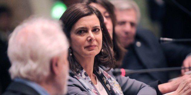 Lo sguardo lontano (in politica) di Laura. La presentazione libro della presidente omaggiata da Mattarella...
