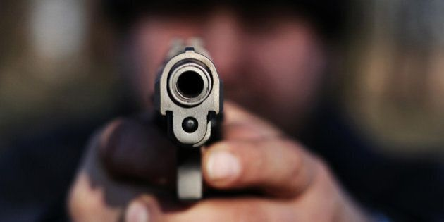 Massimo Pagani, garante per l'infanzia in Lombardia, con la pistola su Facebook