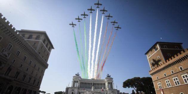Festa della Repubblica: lo spettacolo delle Frecce Tricolori nel cielo di Roma