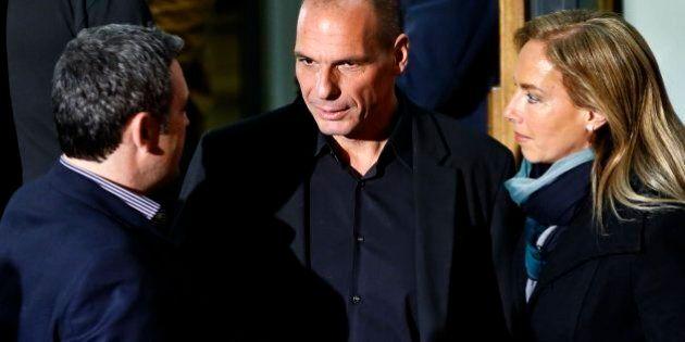 Grecia, Alexis Tsipras annuncia i ministri. Squadra snella a nessuna donna. Alla destra di Kammenos le...