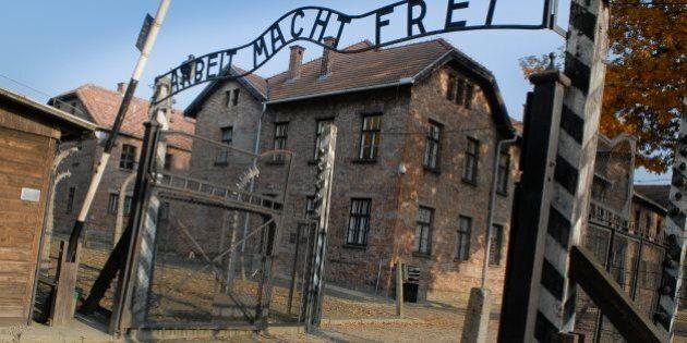 Riccardo Pacifici e David Parenzo di Matrix fermati ad Auschwitz. Interviene l'ambasciata e la Farnesina...