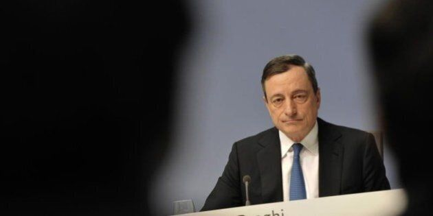 Bce, Mario Draghi lascia tassi fermi al minimo