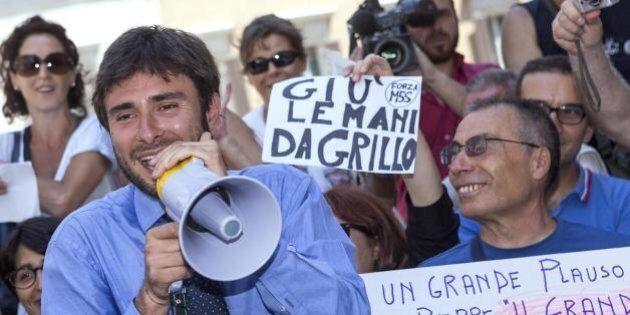 Alessandro Di Battista, comizio davanti alla fabbrica di famiglia a Civita Castellana: è polemica. Ma...
