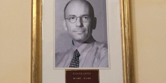 Presidenti del Consiglio, a Palazzo Chigi ora la foto di Enrico Letta c'è. Ma senza