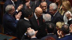 Un lungo applauso accoglie Napolitano a