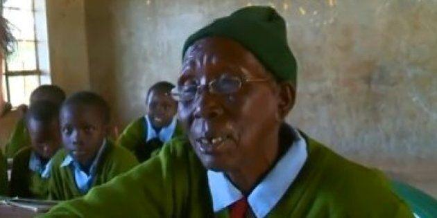 A 90 anni va a scuola per imparare a leggere e scrivere: