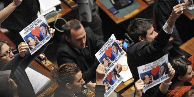 Elezioni Quirinale: la mossa di Renzi su Mattarella oltre al Nazareno spacca anche M5s (ex