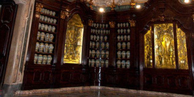 Così a Napoli rinasce una farmacia settecentesca unica al