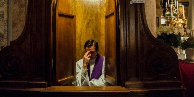 Inchiesta del Quotidiano Nazionale sulla confessione, l'ira dei Vescovi: