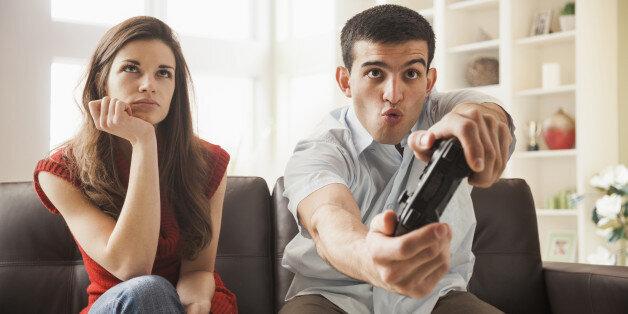 segnali di avvertimento di uscire con un uomo divorziato