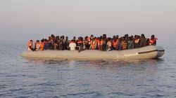 Dodici migranti cristiani gettati in mare. Un abbraccio salva gli altri dalla