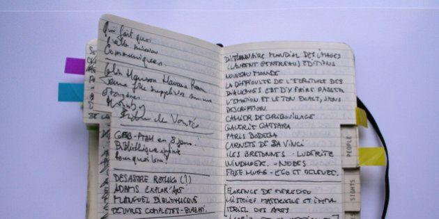 Prendere appunti fa bene alla memoria: secondo la scienza carta e penna aiutano a ricordare meglio dei
