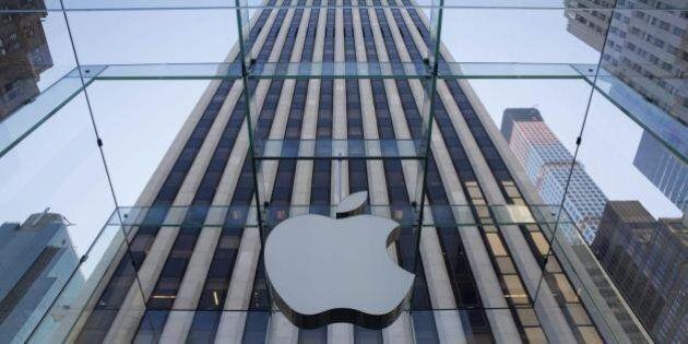 iPhone 6: in coda allo store di New York per vedere in anteprima il nuovo modello. La presentazione il...