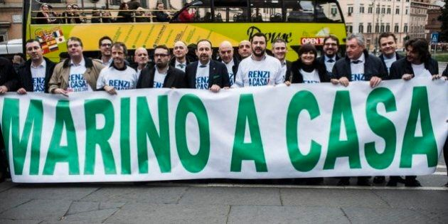 Mafia Capitale, Salvini chiede elezioni a Roma. Anche M5S e Meloni contro il sindaco, Marino: