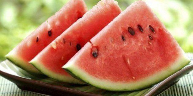 I semi d'anguria fanno bene alla salute: ecco tutti i buoni motivi per cui dovreste mangiarli e non scartarli