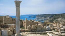 Sole, vino e tradizioni a Cipro, l'isola greca dell'amore cantata da