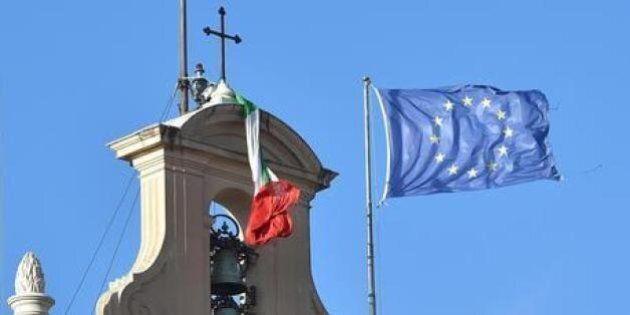 Quirinale, la bandiera tricolore del Colle si stacca causa del forte vento mentre si vota per eleggere...