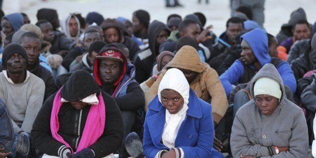 Migranti, Cei attacca l'Europa: