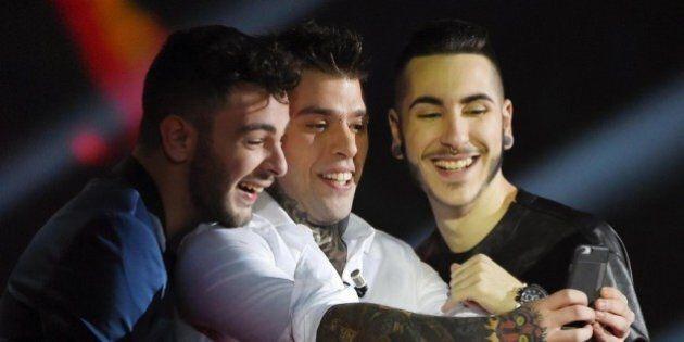 X Factor finale: vince Lorenzo Fragola. Fischi per Morgan e abbraccio con Fedez. 10 momenti da ricordare