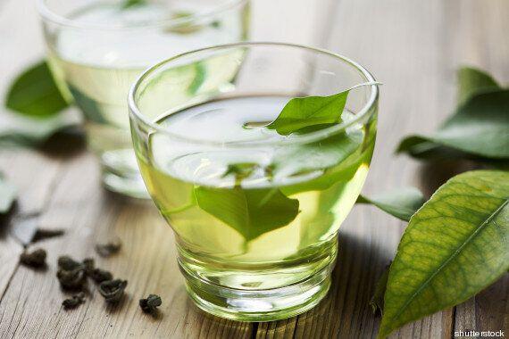 10 rimedi naturali contro l'ansia. Non solo la camomilla: lavanda, melissa e tè verde