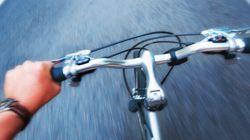 Quattordicenne in fuga per incontrare la fidanzatina: 130 km in bici