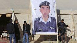 Isis, angoscia per la sorte del pilota giordano. Twitter: