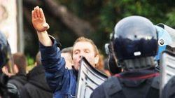 Il saluto fascista non è reato: