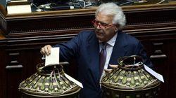 Drammatica resa dei conti in Forza Italia. Verdini e Letta nel mirino del cerchio magico:
