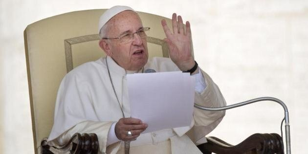 Naufragio nel Canale di Sicilia. L'appello di Papa Francesco al Regina Coeli: l'angoscia del pescatore...